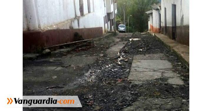 Vías y viviendas están deterioradas en Macaravita. - Vanguardia Liberal