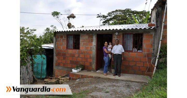 El padre Mario Aparicio, párroco de Guapotá hizo posible que una ... - Vanguardia Liberal