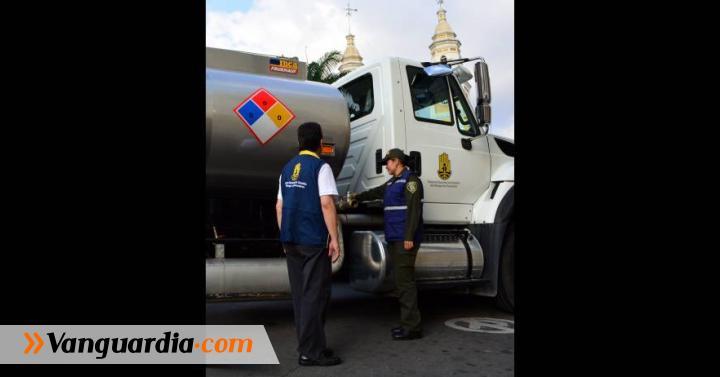 Con carro cisterna llevarán agua a habitantes de Aratoca - Vanguardia Liberal