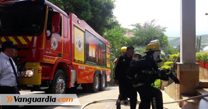 Voraz incendio se registró en el Hotel San Juan, en Girón - Vanguardia Liberal