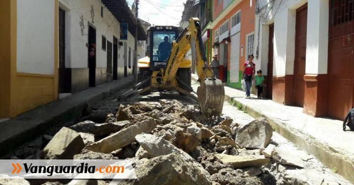 Calle del comercio de Suaita empezó a ser remodelada - Vanguardia Liberal
