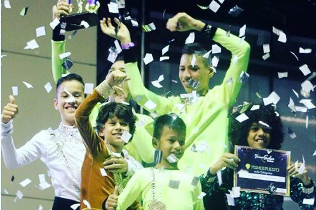 Academia de baile de Bucaramanga ganó 30 premios en el Colombia Salsa Festival