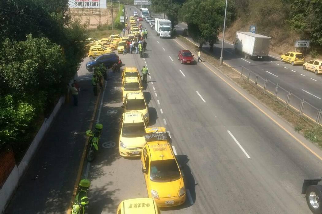 Tránsito aclaró que taxistas sí tienen Pico y Placa en Bucaramanga