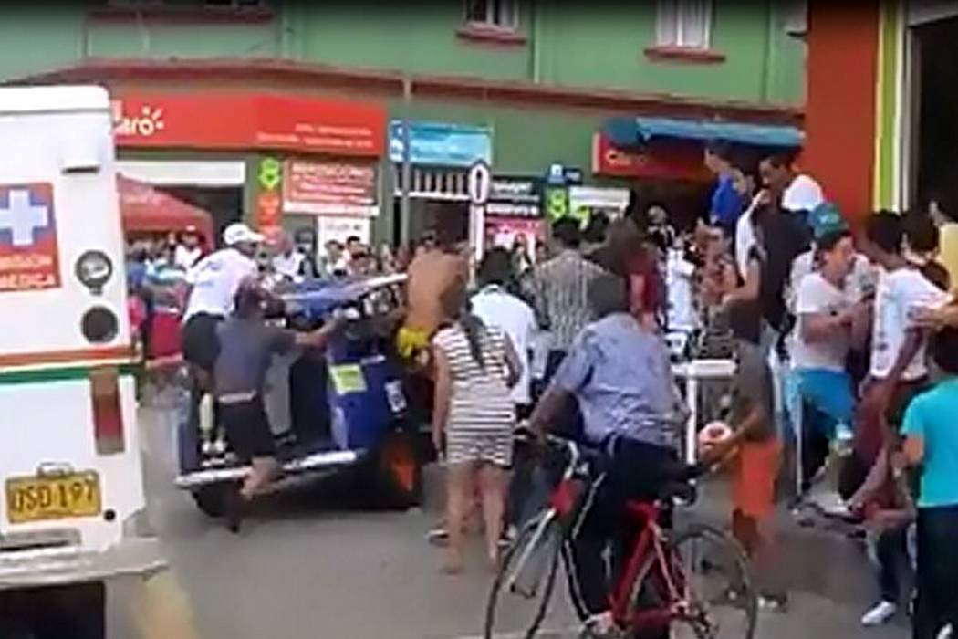 Accidente de carrera de carros apagados  dejó cinco heridos en Santander