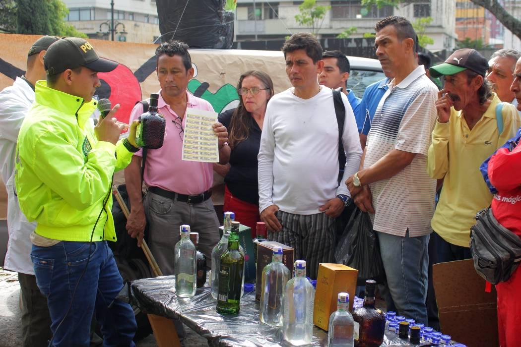 Aprenda a identificar el licor adulterado en Santander
