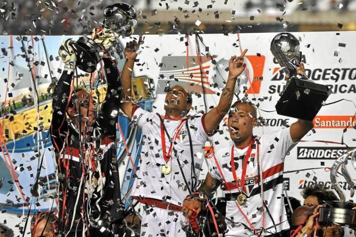 Sao Paulo campeón de la Copa Sudamericana 2012 tras accidentada final   Vanguardia.com