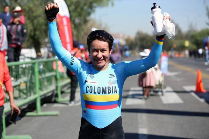 Ana Cristina Sanabria, la ciclista santanderena: con el equipo femenino 'Colombia Tierra de Atletas' presentadas por el Ministro Ernesto Lucena