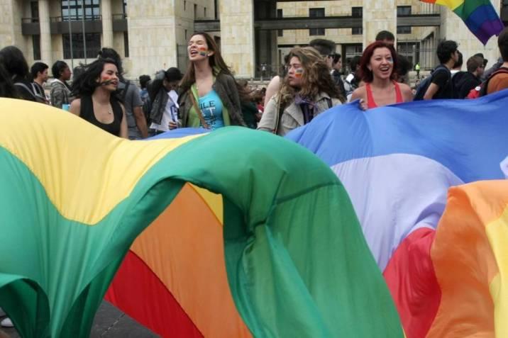 adopcion gay en colombia opiniones