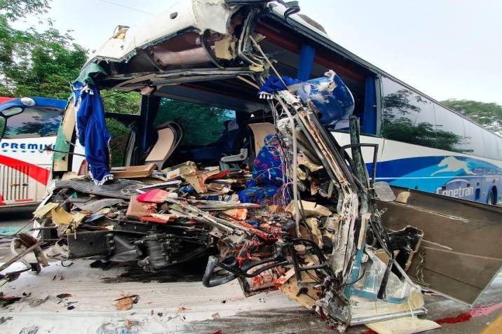 Conductor de bus que viajaba hacia Bucaramanga falleció tras accidente en Aguachica (Foto: Captura de video)