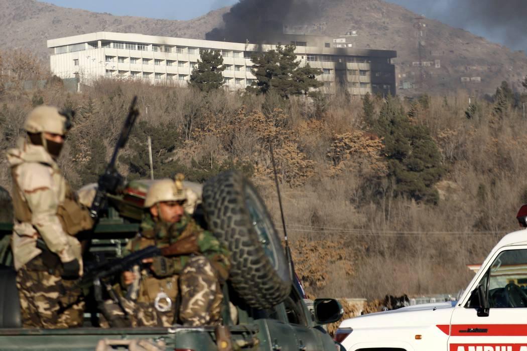 Ataque talibán en hotel intercontinental de Kabul dejó una veintena de muertos