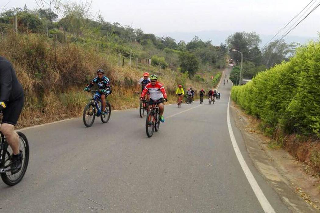 Tránsito tomará medidas para regular ciclistas por Ruitoque