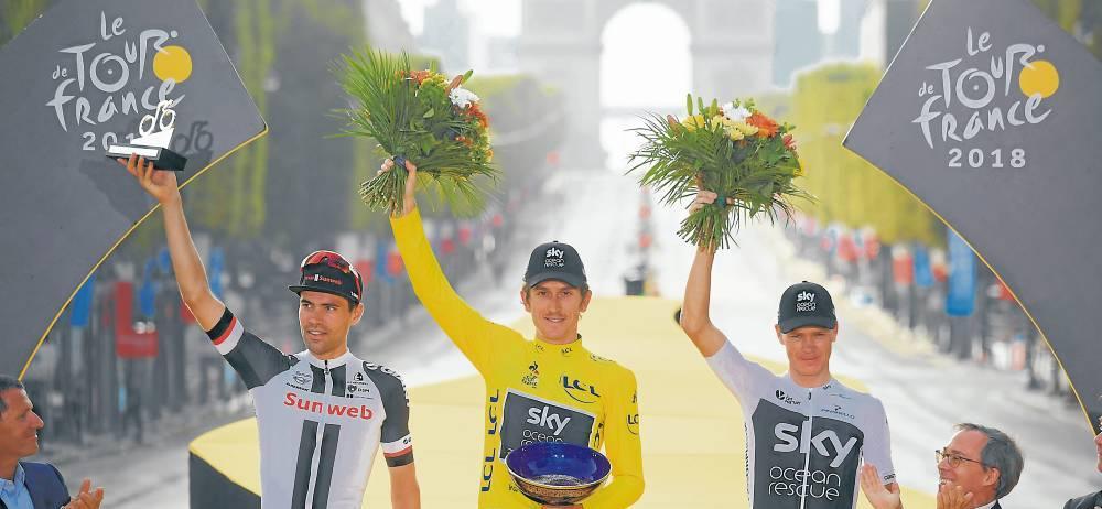 El podio final del Tour de Francia 2018 terminó conformado por los británicos Geraint Thomas y Christopher Froome, primero y tercero, y el holandés Tom Dumoulin, subcampeón.