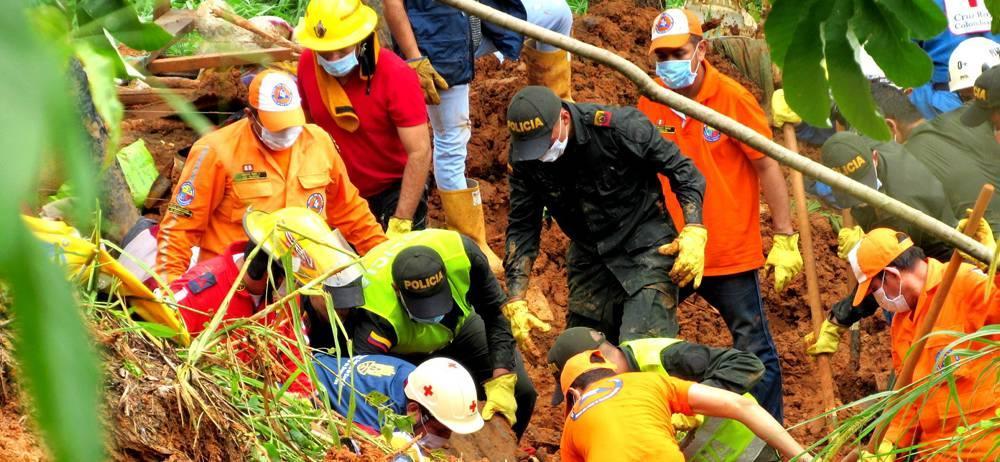 Ejército, Bomberos, Cruz Roja, Armada, Policía e integrantes de la Administración Municipal y el gobierno departamental atendieron la emergencia.