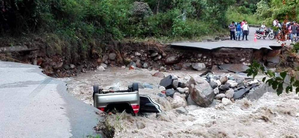 Tras fuertes lluvias el río Suratá destruyó la vía entre Bucaramanga y Matanza