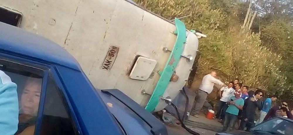 Al menos cuatro heridos por accidente de bus en Girón