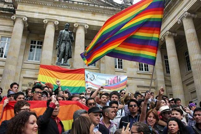 Aprobacion de adopcion homosexual en colombia