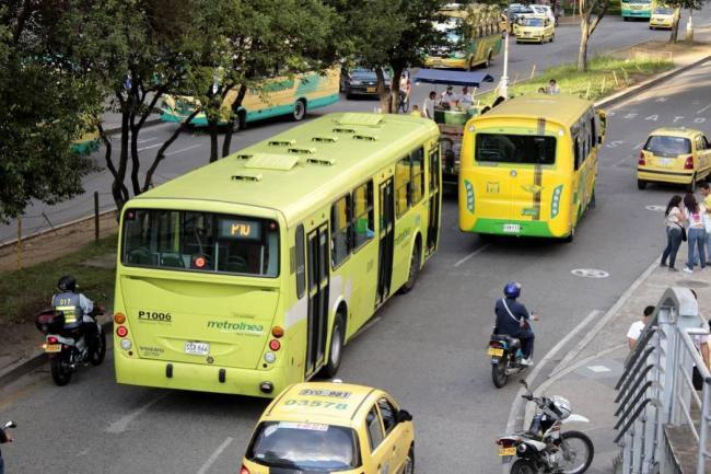 Resultado de imagen para metrolinea y taxis en bucaramanga