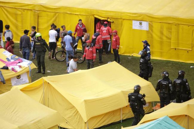 Colombia expulsa a 15 venezolanos involucrados en incidente de campamento de Bogotá