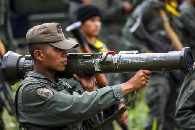 Venezuela muestra poderío militar en ejercicios — COLOMBIA