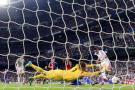 Este es el momento en el que el colombiano James Rodríguez anotó el cuarto gol del Real Madrid ante el Basilea, que además es el primero del volante nacional con el cuadro 'merengue' y el tercero del artillero de la pasada Copa Mundo de Brasil - 2014, en la Liga de Campeones.