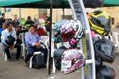 De la mano de Tránsito y la Agencia Nacional de Seguridad Vial, la firma Rocket Force capacitó a moteros sobre los cascos reglamentarios; además les obsequió varios de ellos. También la firma Automóvil de Colombia-Fiat donó cascos para los ciclistas.