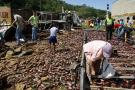$36 millones en pérdidas tras saqueo de tractomula volcada en Bucaramanga