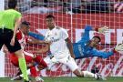 El Real Madrid líder tras remontar en Girona gracias a dos penales