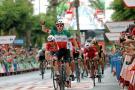 El italiano Elia Viviani gana la tercera etapa de la Vuelta a España