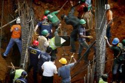 Así fue el rescate de personas sepultadas por derrumbe en Bucaramanga