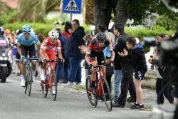 Simon Yates se impuso en la undécima etapa del Giro de Italia