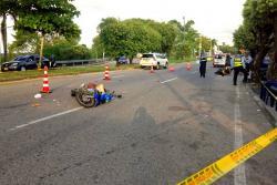 El accidente se registró en inmediaciones de la Autopista As de Copas-Retén, cuando una de las motos tomaba la vía rápida. Las autoridades, no obstante, investigan las verdaderas causas de la colisión.