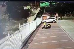 El hecho captado por una cámara de seguridad se registró en Lebrija.