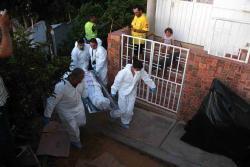 El cuerpo de Raúl Herrera, de 57 años, fue llevado a la morgue de Medicina Legal, seccional Bucaramanga. Las extranjeras capturadas serán presentadas hoy ante un juez.