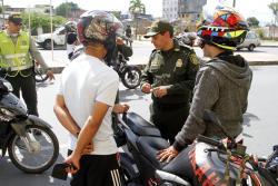 Un joven venezolano estuvo involucrado en accidente mientras conducía una moto indocumentada.
