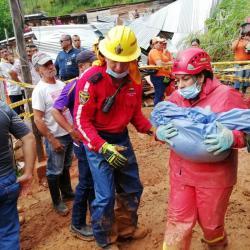Cinco niños y cuatro adultos muertos tras deslizamiento en Barrancabermeja