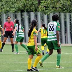 Santander inició con derrota su participación en el Torneo Nacional Juvenil de fútbol femenino al perder 3-0 con su similar de Antioquia. Hoy jugará ante Bogotá.