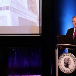 """El gerente del Banco Central, Juan José Echavarría, resaltó que los indicadores de la economía local """"son buenos en un mundo que es altamente volátil""""."""
