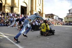 Mezcla de adrenalina en carrera de carritos de balineras en Santander