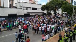 Así transcurrió la marcha de la educación por las calles de Bucaramanga