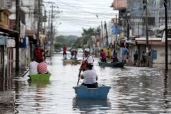 2.500 mexicanos desalojaron sus casas por emergencia de huracán Willa