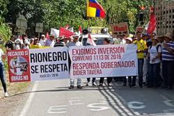 Habitantes de Rionegro, Santander, protestaron por falta de inversión con dinero del peaje