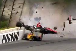 Así fue el espectacular accidente de Robert Wickens en la Indycar