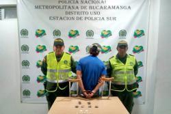 Hombre simuló tener la pierna enyesada para encaletar droga en Bucaramanga