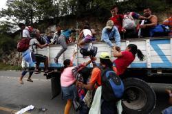 Migrantes hondureños emprendieron caravanas hacia Estados Unidos