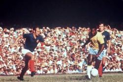 Video: Así fue el homenaje para 'El Rey' Pelé