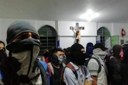 Video: Así quedó la Catedral de la Sagrada Familia tras la manifestación estudiantil en Bucaramanga