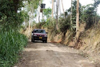 Una de las peticiones de la comunidad Llano Grande es la pavimentación de la vía Nuevo Girón - Chocoita.
