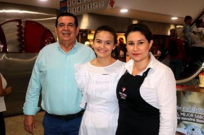 Hernando Durán Gómez, Camila Montaño y Viviana Olaya.