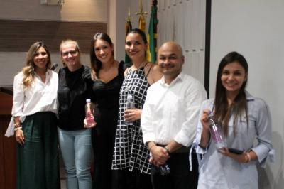 Laura Forero, Floor Veer, Laura Durán, María Fernanda Díaz, Alejandro Guzmán y Melissa Torres.