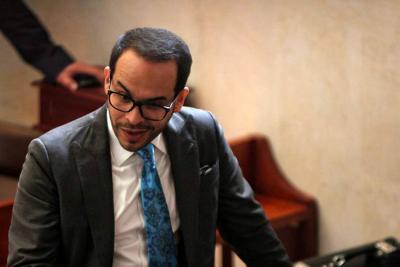 Daniel Coronell acusa al abogado De La Espriella de comprar diploma
